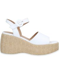 Janet & Janet Sandals - White