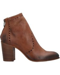 Strategia Ankle Boots - Brown