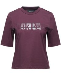 Peak Performance T-shirt - Purple
