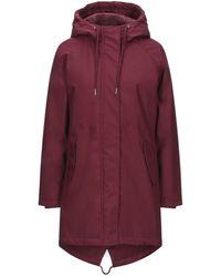 Minimum Coat - Red