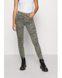 ONLY ONLBLUSH LIFE MID RAW CAMO - Jeans Skinny - Vert