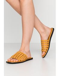 Shoe The Bear TAO CAGE - Pantolette flach - Gelb