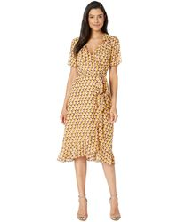 Donna Morgan - 3/4 Tie Sleeve Geo Printed Wrap Dress (flax Yellow/retro Rose Multi) Women's Dress - Lyst