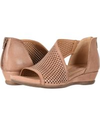 Earth Venus (blush Tumbled Leather) Women's Shoes - Brown