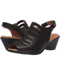 Comfortiva - Faye Leather Block Heel Sandals - Lyst
