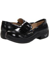 Alegria - Taylor (black Waxy) Women's Clog Shoes - Lyst