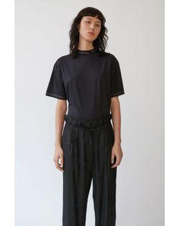 Gojina Dyed black