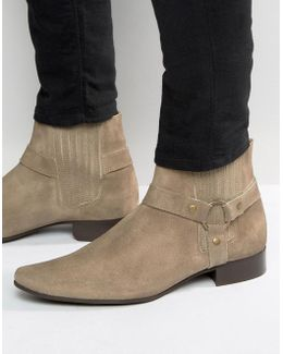 Chelsea Boots In Stone Suede With Pointed Toe And Metal Detail