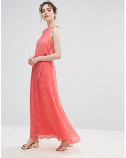 Ruffle Neck Pleated Maxi Dress