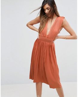 Premium Deep Plunge Pleated Midi Dress