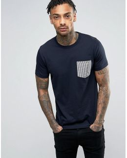 T-shirt With Contrast Gingham Pocket
