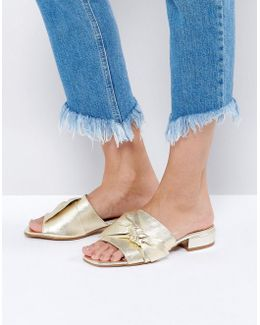 Foggy Bow Leather Sandals