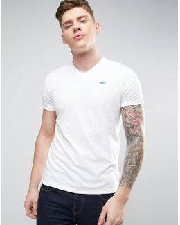 Must Have Logo T-shirt Vneck Slim Fit In White