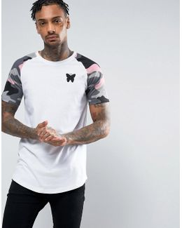 T-shirt In White With Camo Sleeves