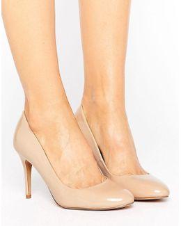 Patent Court Shoe