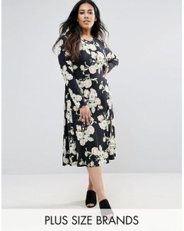 Plus Skater Dress In Floral Print