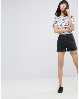 Denim Mom Shorts In Washed Black