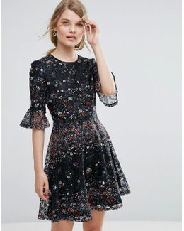 Lace And Daisy Print Dress