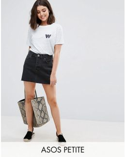 Denim Low Rise Skirt In Washed Black
