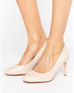 Round Toe Court Shoe
