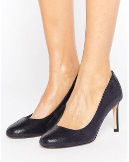 Round Toe Court Shoe
