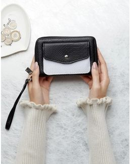 Purse With Mesh Pocket