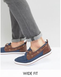 Wide Fit Boat Shoes In Navy