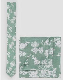 Floral Tie And Plain Pocket Square Pack In Green