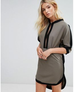 Dress With Key Hole Front