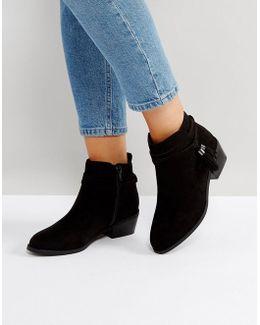 Tassel Petraa Ankle Boots