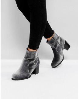 Pipaa Velvet Boots