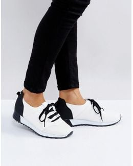 Lace Up Runner Sneakers