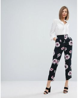 Oversize Floral Print Cropped Trousers