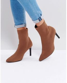 Ezra Fawn Stretch Pull On Heeled Ankle Boots