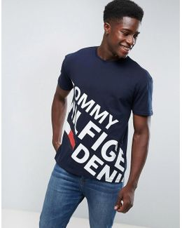 Tommy T-shirt Large Asymetric Logo In Navy