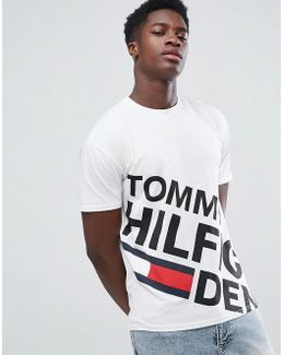 Tommy T-shirt Large Asymetric Logo In White