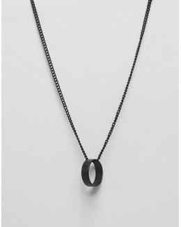 Circle Pendant Necklace In Black