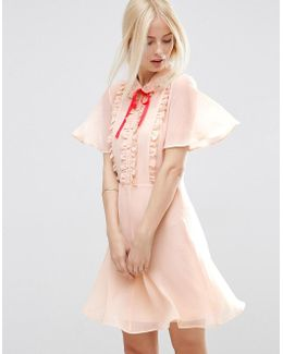Short Sleeve Ruffle Front Tea Dress With Contrast Tie