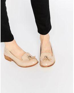 Knight Tassel Loafers