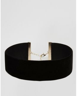 Night Velvet Choker Necklace