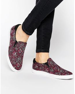 Delta Liberty Slip On Sneakers