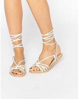 Feeling Leather Tie Leg Flat Sandals