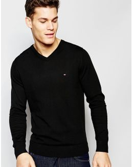 V Neck Jumper In Black