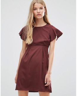 Emma Dress With Ruffle Sleeves In Chocolate