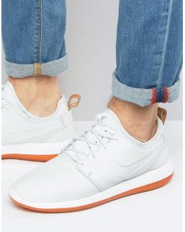 Roshe Two Premium Leather Trainers In White 881987-100