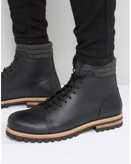 Lace Up Boots In Black Leather With Cleated Heavy Sole