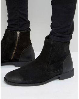Chelsea Boots In Black Suede With Leather Heal Detail