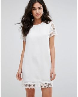 Short Sleeve Dress With Lace Trim