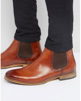 Chelsea Boots In Tan Leather With Brogue Detail