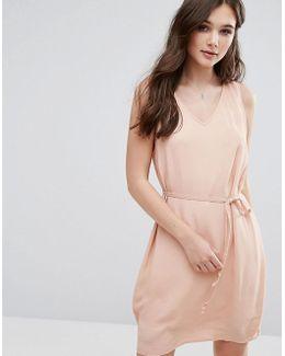 V Neck Sleeveless Shift Dress